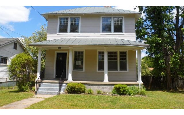 Act fast on this Richmond home! - 1/3
